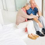 Czego w łóżku boją się starsi panowie?