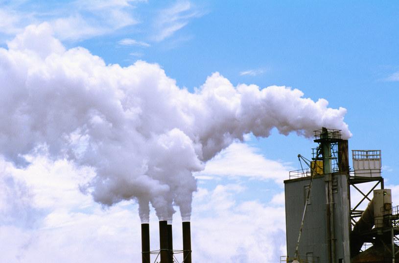 Czeka nas kulawy kompromis w sprawie CO2? /© Glowimages