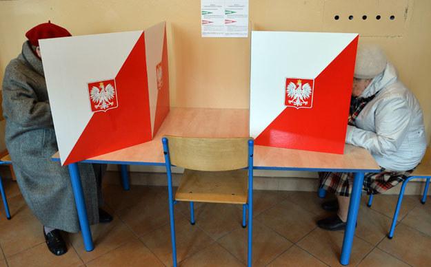 Czeka nas ręczne liczenie głosów? fot. Janek Skarżyński /AFP