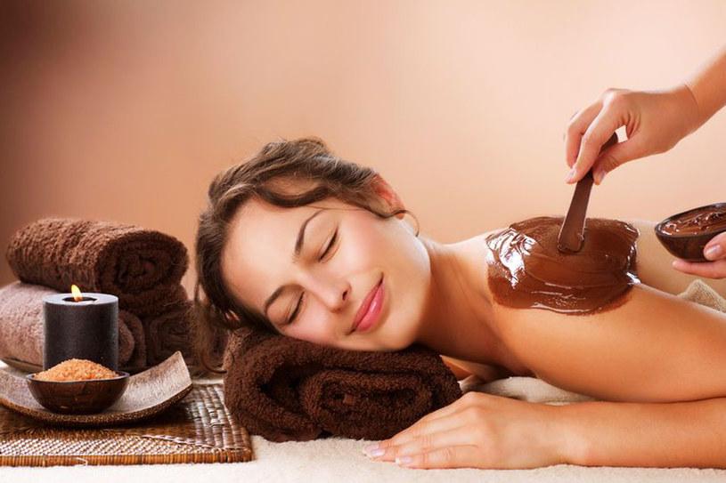 Czekolada spowalnia procesy starzenia, a dodatkowo jej zapach działa relaksująco /123RF/PICSEL