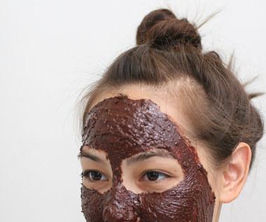 Czekoladowa maska na twarz w walce z trądzikiem