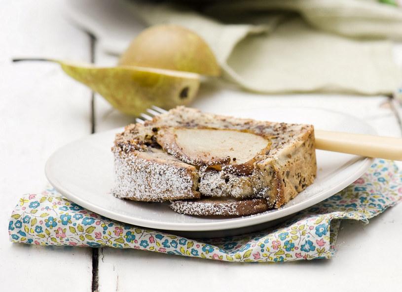 Czekoladowe ciasto serowe z gruszkami /materiały prasowe /materiały prasowe