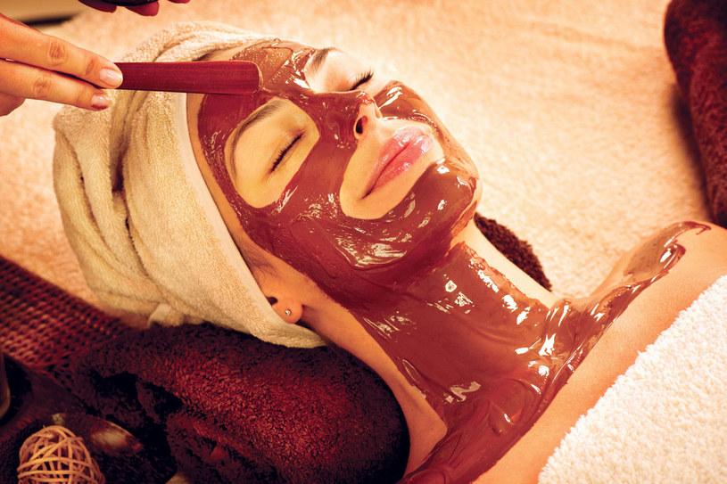 Czekoladowy masaż na pewno przepędzi jesienną chandrę /Styl.pl/materiały prasowe