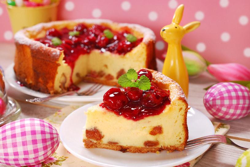 Czereśnie, arbuzy, borówki, maliny są wspaniałym dodatkiem do słodkości /123RF/PICSEL