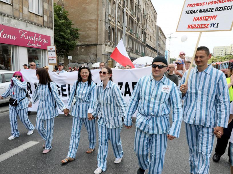 Czerwcowy protest antyszczepionkowców /Piotr Molecki /East News