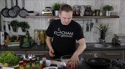 Czerwona cebula, feta, oliwki, zioła - jak przyprawić mięso mielone na Keftedes?