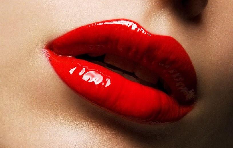 czerwona szminka /© Photogenica