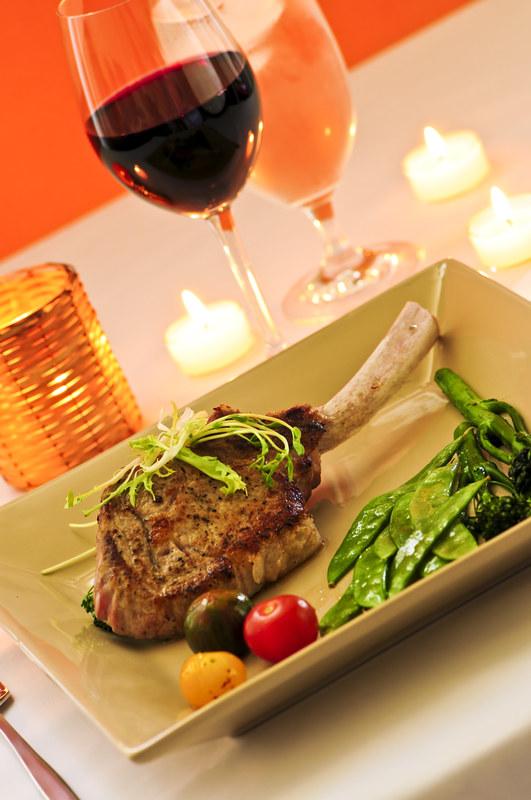 Czerwone mięso z winem? Lepiej nie  /© Panthermedia