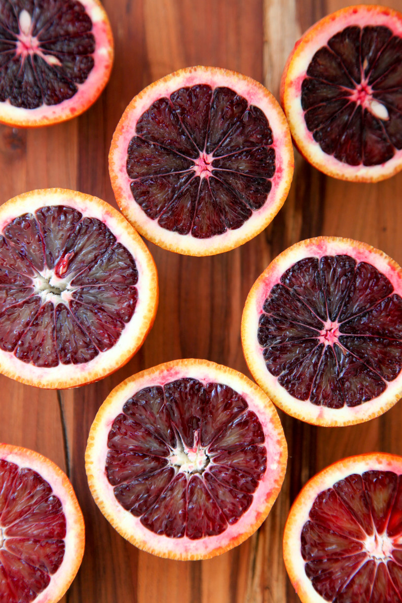 czerwone pomarancze zdrowie /© Photogenica