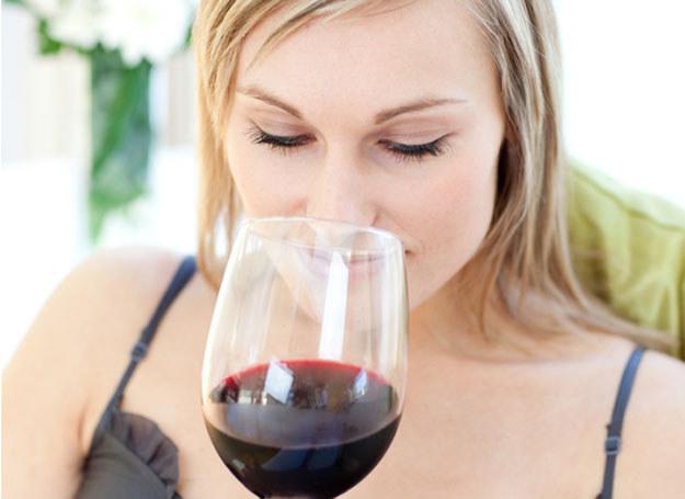 Czerwone wino zmniejsza ryzyko raka piersi  /© Panthermedia