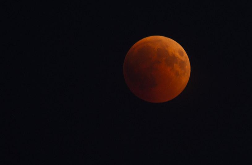 Czerwone zaćmienie księżyca z 2018 roku /Łukasz Kalinowski /East News