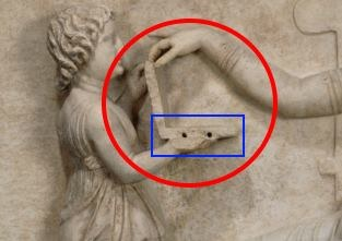 Czerwony krąg to komputer, a niebieski prostokąt pokazuje porty USB - takie jest zdanie zwoleników tej teorii Fot. Getty's Open Content Program. /materiał zewnętrzny