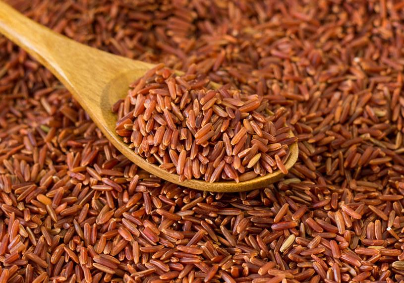 Czerwony ryż jest bogaty w witaminę B6 /123RF/PICSEL