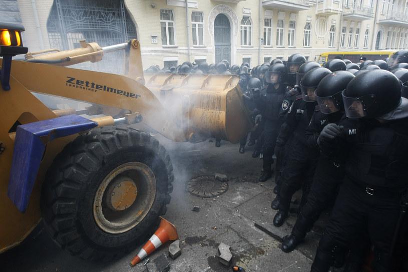Część demonstrantów ruszyła na administrację prezydenta Ukrainy Wiktora Janukowycza. /Sergii Polezhaka/Reuters /Agencja FORUM