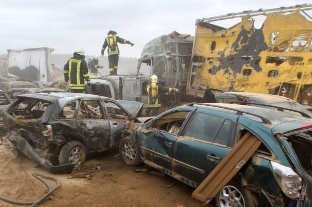 Część ofiar spaliła się żywcem /PAP/EPA