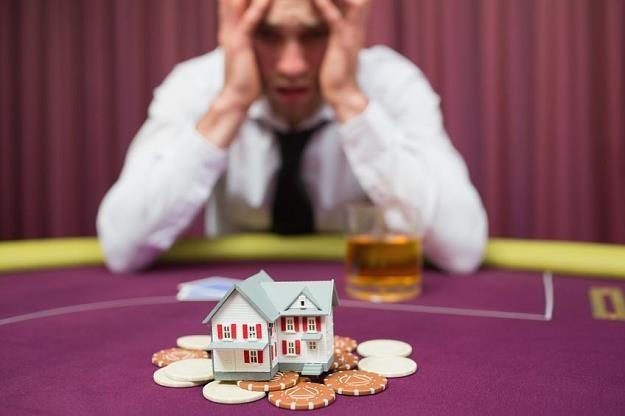 Część zysków z kasyn będzie kierowana na leczenie osób uzależnionych od hazardu /©123RF/PICSEL