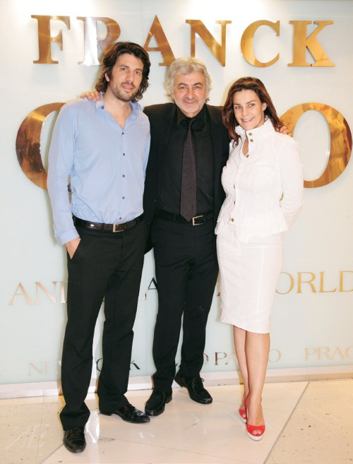 Częścią filozofii Franka Provosta jest praca z rodziną. Jego córka Olivia jest dyrektorem marketingu i komunikacji, a syn Fabien dyrektorem artystycznym marki. /materiały promocyjne
