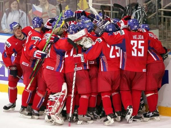 Czesi znowu są w finale hokejowych MŚ /AFP