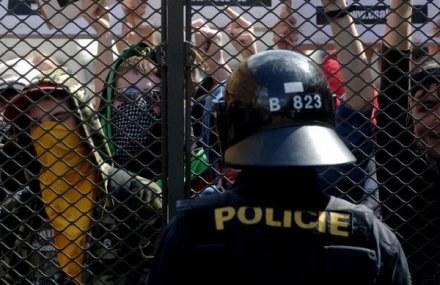 Czeska policja pomoże polskim funkcjonariuszom /AFP