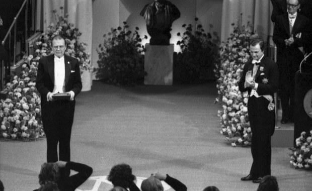 """Czesław Miłosz, laureat Nobla 1980. """"Literatura zwrócona ku historii, zawsze aluzyjna"""""""