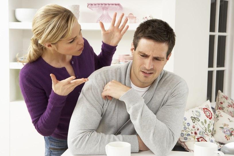 Częste kłótnie z błahego powodu zwiastują zazwyczaj poważniejsze problemy w związku /123RF/PICSEL
