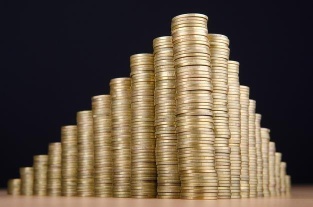 Często jedną pożyczkę spłaca się następną i z małej sumy zobowiązania robi się ogromny dług /© Panthermedia