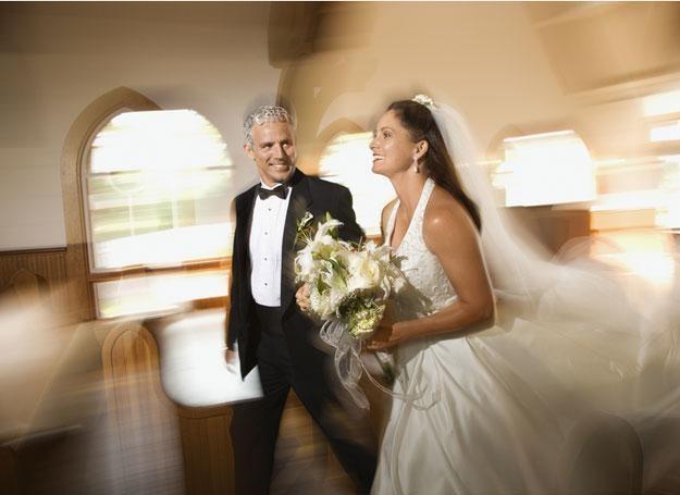 """Często para młoda musi się """"targować"""" o zlikwidowanie bramy weselnej /© Panthermedia"""