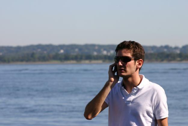 Często przebywając przy granicy nie zdajemy sobie sprawy, że korzystamy z roamingu fot. Can Berkol /stock.xchng