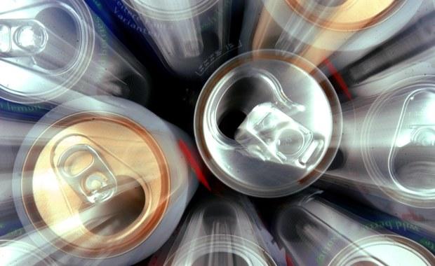 Często sięgasz po napoje energetyzujące? Sprawdź, co Ci grozi