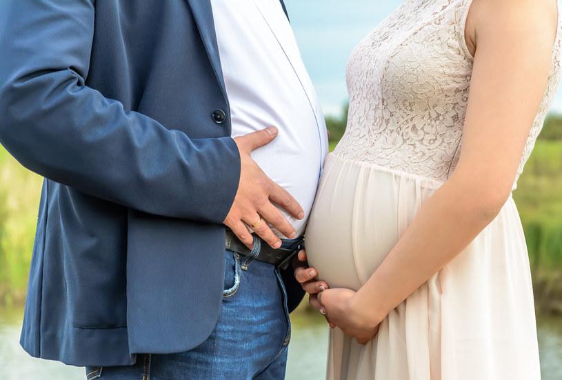 Często zdarza się, że ksiądz odmawia udzielenia sakramentu ślubu, gdy kobieta jest w ciąży /123RF/PICSEL