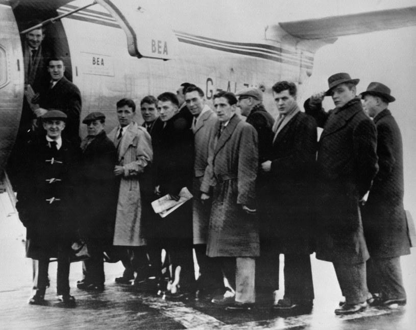 Członkowie ekipy Manchesteru United przed tragicznym lotem w 1958 roku /AFP