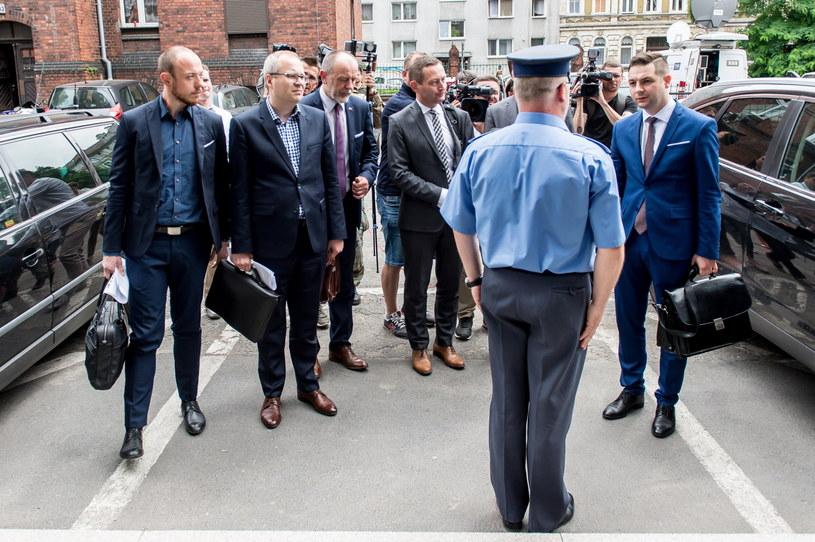Członkowie komisji weryfikacyjnej we Wrocławiu /Maciej Kulczyński /PAP