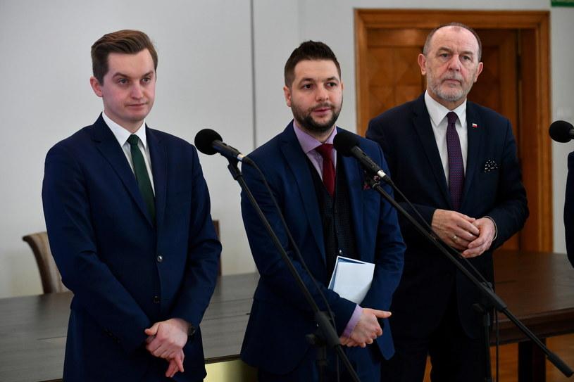 Członkowie komisji weryfikacyjnej /Bartłomiej  Zborowski /PAP