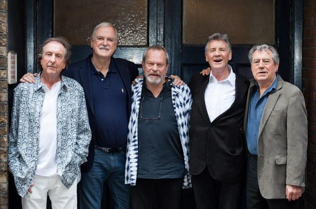 Członkowie Latającego Cyrku Monty Pythona /EPA/DANIEL LEAL-OLIVAS  /PAP/EPA