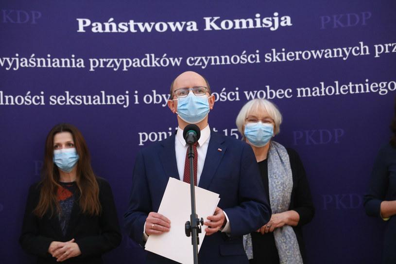 Członkowie Państwowej Komisji ds. Pedofilii na konferencji prasowej - zdjęcie archiwalne /Tomasz Jastrzebowski/REPORTER /East News