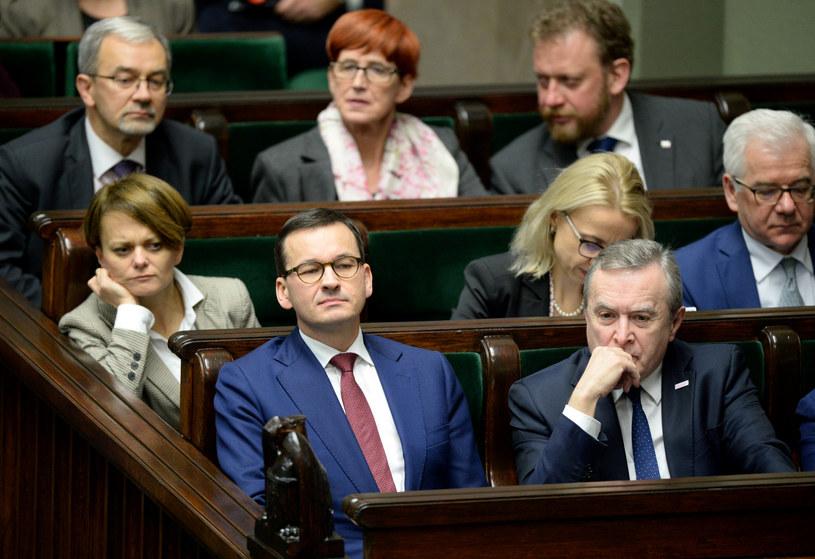 Członkowie rządu w Sejmie /Jan Bielecki /East News