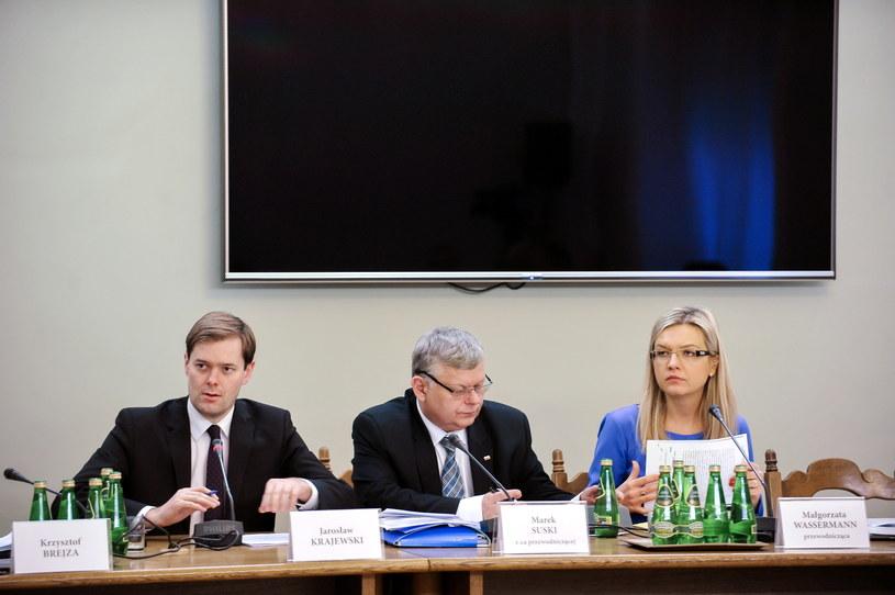 Członkowie sejmowej komisji śledczej ds. Amber Gold: Jarosław Krajewski (L), Marek Suski (C) i Małgorzata Wassermann /Marcin Obara /PAP
