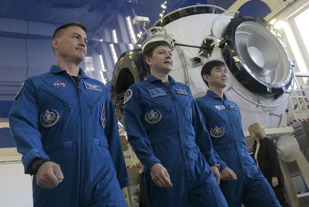 Członkowie załogi Międzynarodowej Stacji Kosmicznej /MAXIM SHIPENKOV    /PAP/EPA
