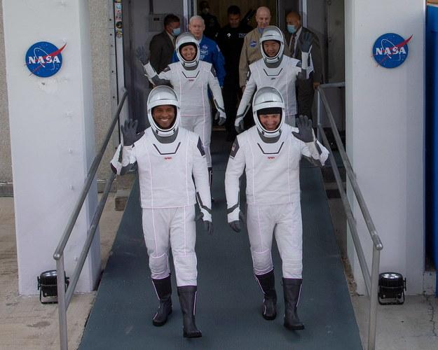 Członkowie załogi: Victor Glover, Shannon Walker, Mike Hopkins oraz Soichi Noguchi /CJ GUNTHER /PAP/EPA