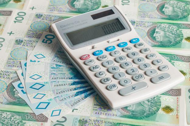 Członkowie zarządów spółek zarabiają krocie /123RF/PICSEL