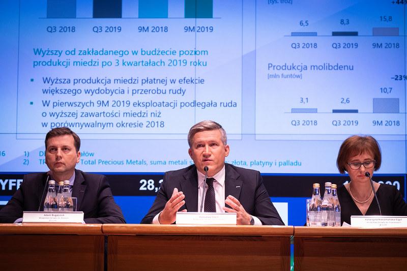 Członkowie zarządu KGHM Polska Miedź. Od lewej: Adam Bugajczuk, wiceprezes ds. Rozwoju, Radosław Stach, wiceprezes ds. Produkcji oraz Katarzyna Kreczmańska-Gigol, wiceprezes ds. Finansowych