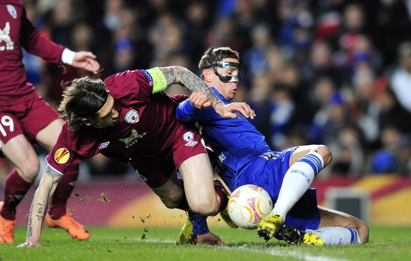 Człowiek w masce - Fernando Torres w tej sytuacji zdobył pierwszą bramkę dla Chelsea /AFP