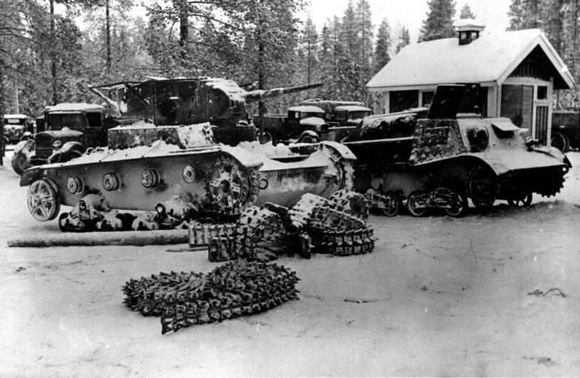Czołgi Armii Czerwonej zniszczone przez fińskich obrońców /Getty Images