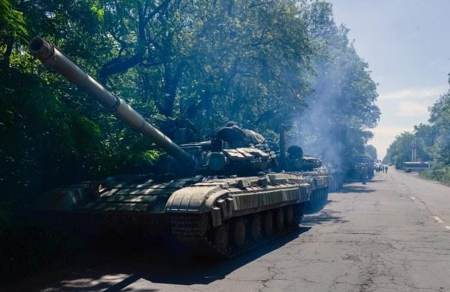 Czołgi prorosyjskich separatystów /STRINGER /PAP/EPA