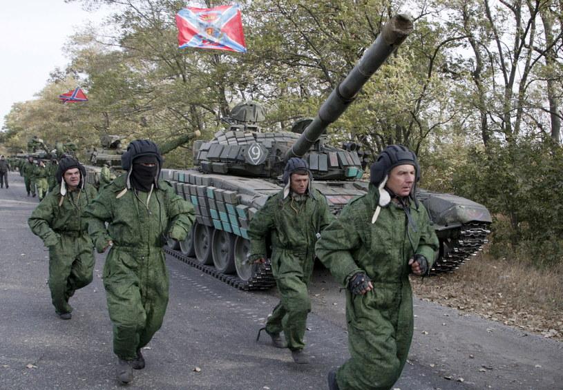 Czołgi separatystów donieckich wracają do baz /REUTERS/Alexander Ermochenko /Agencja FORUM