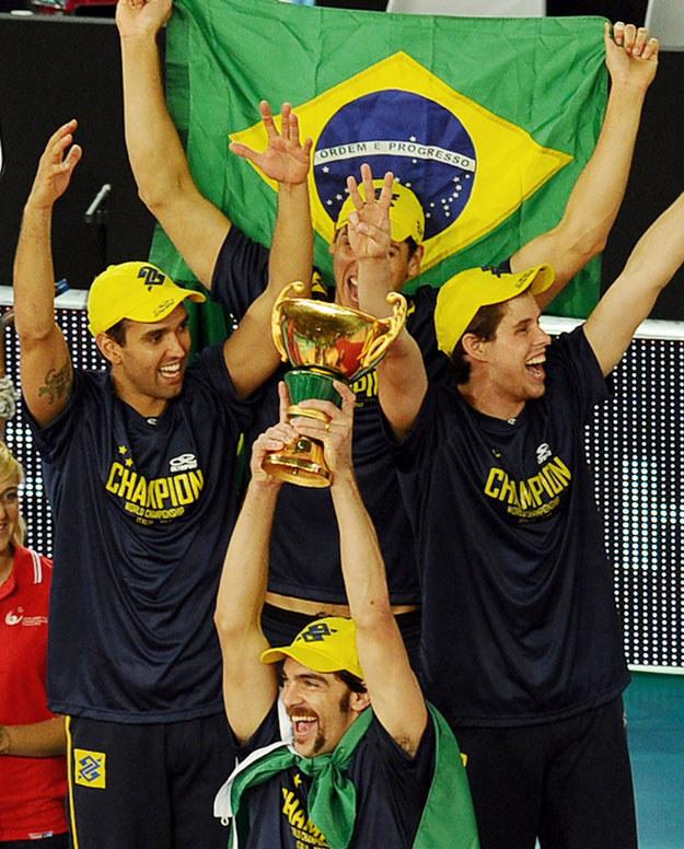 Cztery lata temu w MŚ triumfowali Brazylijczycy /AFP