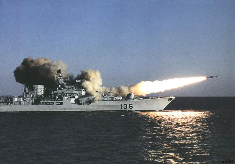 """Cztery najmłodsze okręty tego typu kupiły Chiny. Na zdjęciu """"Hangzhou"""" - pierwszy z nich /domena publiczna"""