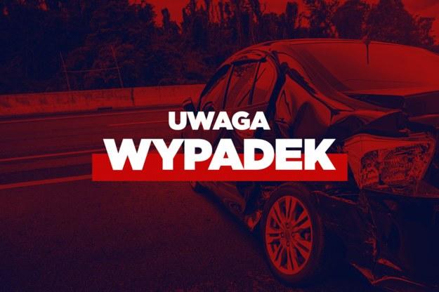 Cztery osoby ranne w wypadku i pożarze auta na A1 /Interia.pl /INTERIA.PL