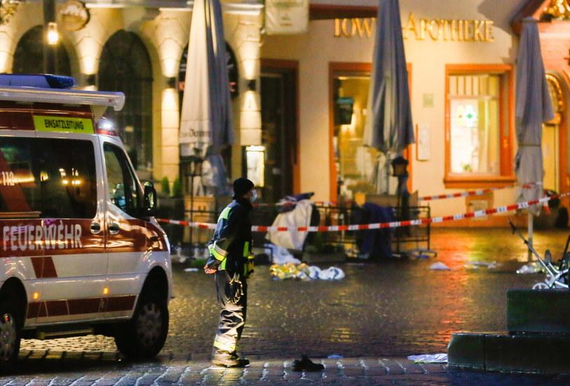 Cztery osoby zginęły w Trewirze, gdzie na miejskim deptaku kierowca wjechał w przechodniów /JULIEN WARNAND /PAP/EPA