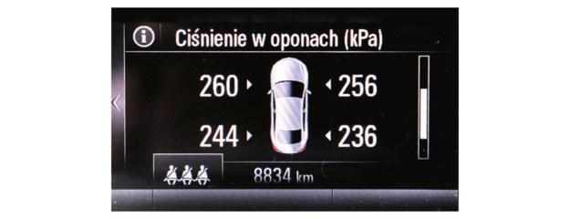Czujniki przekazują na bieżąco dane o ciśnieniu powietrza w każdym kole. /Motor